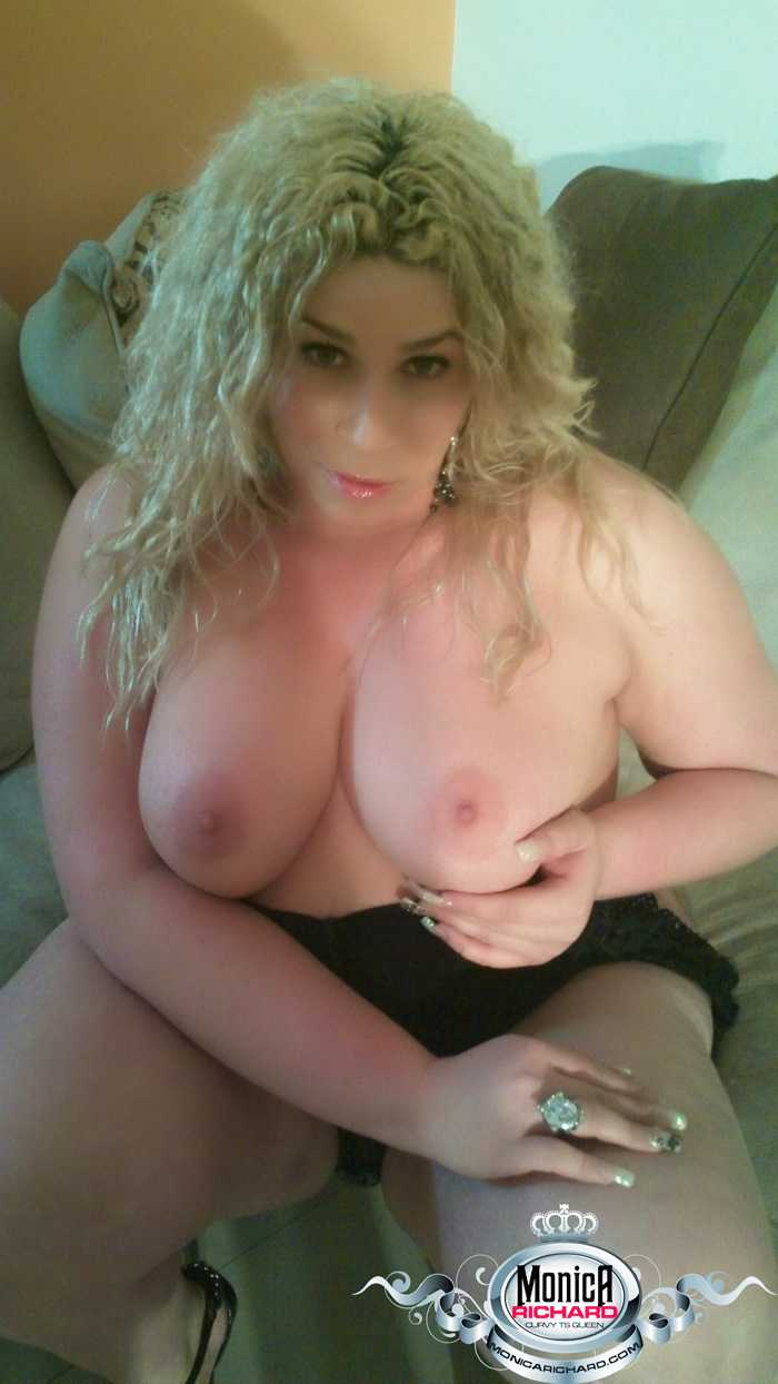 Chunky transsexual Monica Richards stripping